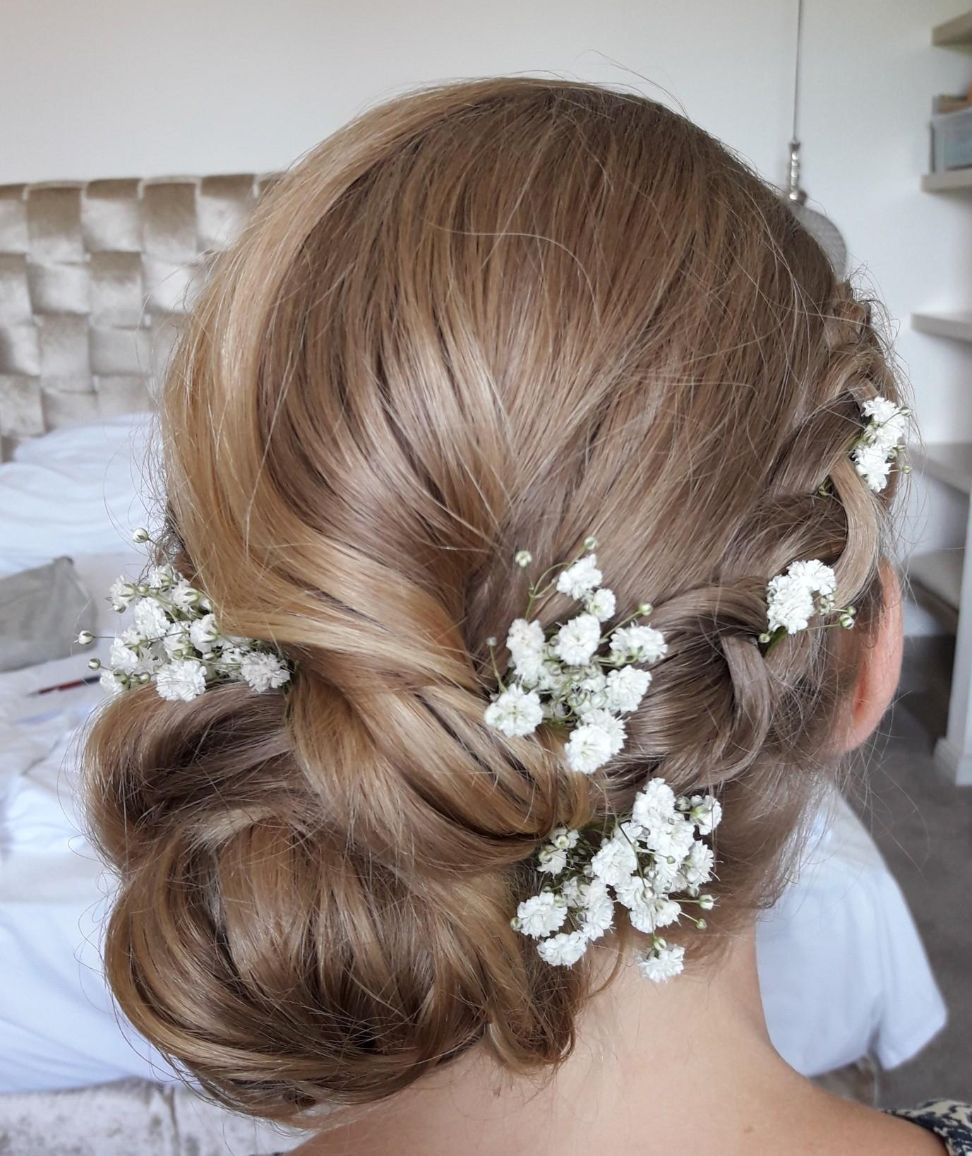 Frisuren mit Blumen